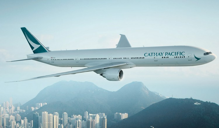 Cathay Pacific задержка рейса